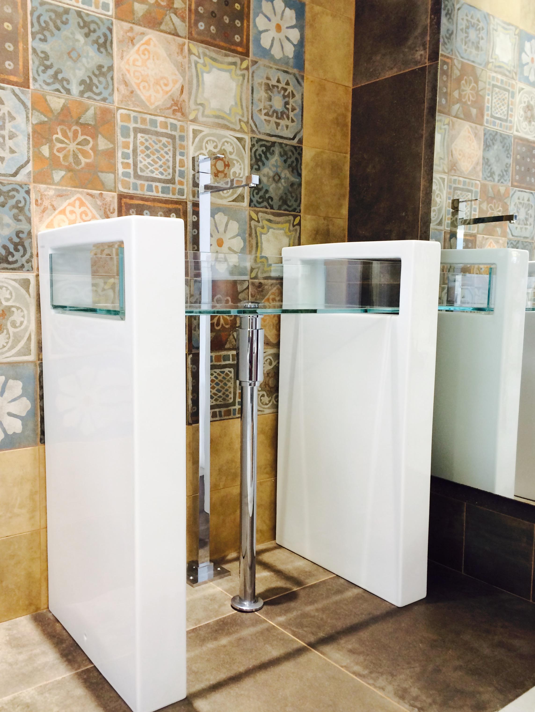 Gsg lavabo a colonna glass bianco galli innocenti for Lavabo a colonna