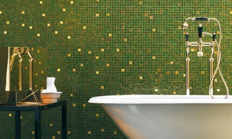 Piatto doccia mosaico bisazza bagni colorati modi di usare il mosaico in verde e blu piatto - Sace piastrelle torino ...